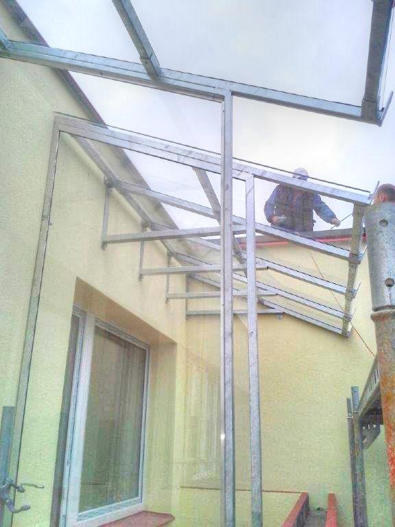 Jak zastřešit balkon